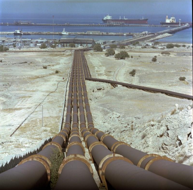 نتیجه تصویری برای لوله های نفت